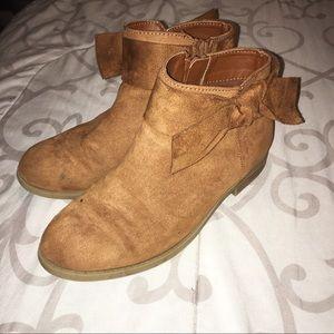 Zoe & Zac taupe/brown booties